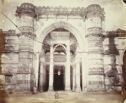 Central portion of the façade of the Jami Masjid, Ahmadabad, showing entrance and flanking minarets 1797